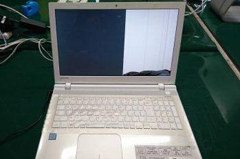 東芝(ゴールド)ノートパソコン液晶割れ→液晶交換修理