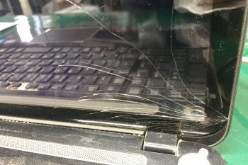 東芝(dynabook)ノートパソコン液晶割れ→液晶交換修理