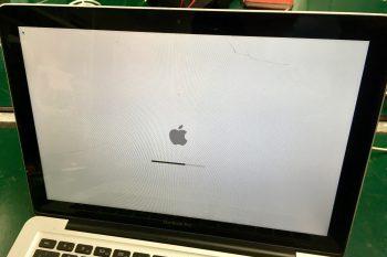 MacBook Pro液晶割れ→液晶交換修理