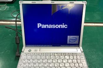 パナソニックノートパソコン画面にヒビが…→液晶交換修理
