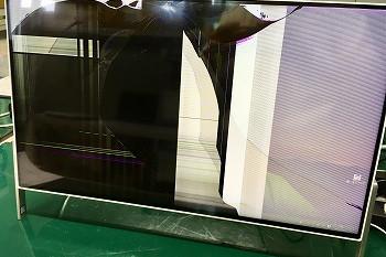 富士通テレビ機能付きディスプレイが倒れてヒビが…→液晶交換修理