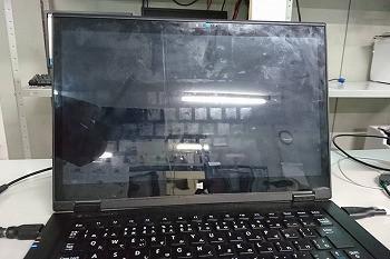 画面に縦のヒビが入ってしまった…液晶交換修理